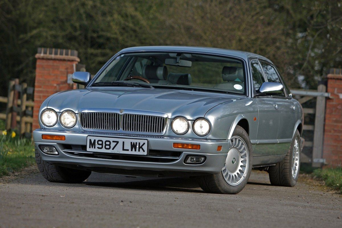 classic jaguar xj6 price guide