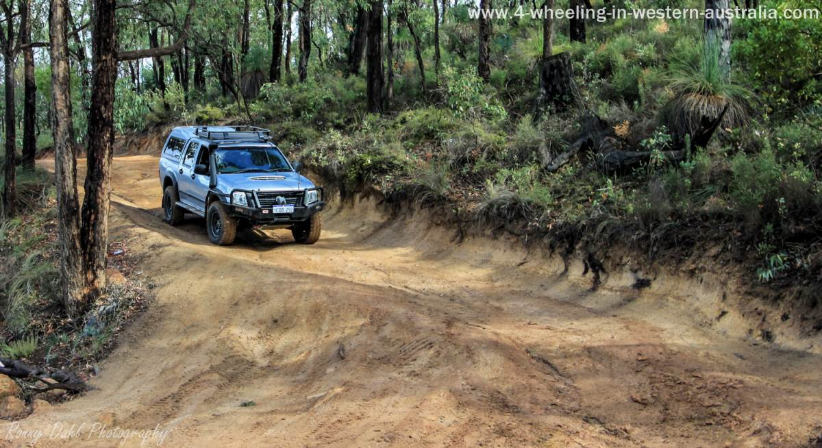 driver guided camping tour in australia