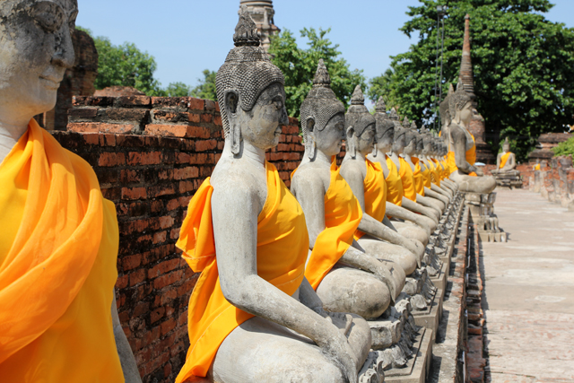 can i visit the temples of ayutthaya without tour guide